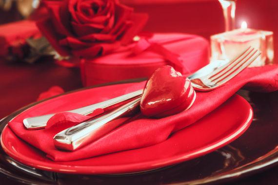 valentines table setting PHZS9MB 570x380 - Menu St-Valentin coquelets