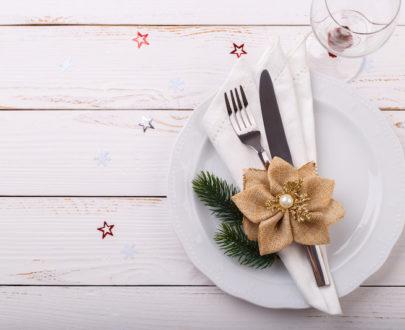 christmas table setting PY79Y92 405x330 - Menu meli melo Fêtes